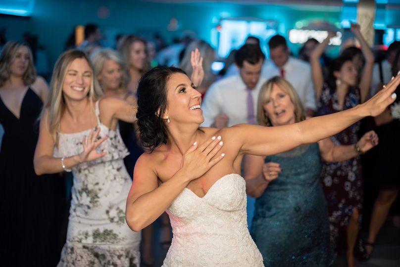 Everyone's dancing
