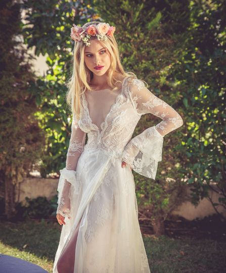 Beautiful bride with blower crown