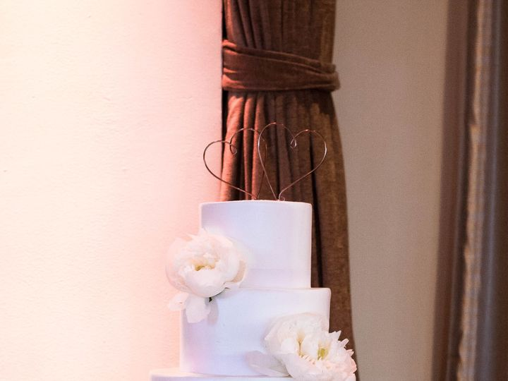 Tmx 1530198249 C352e0f1ffbc2fdf 1530198246 3801d4b4bc591366 1530198232828 6 Carlyle  66  Whitestone, New York wedding florist