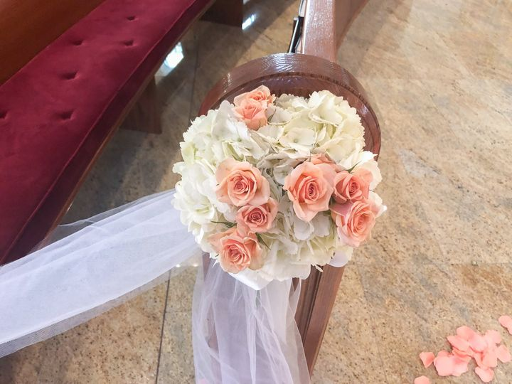 Tmx Img 0511 51 970572 Whitestone, New York wedding florist