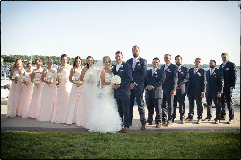 Full size wedding party.