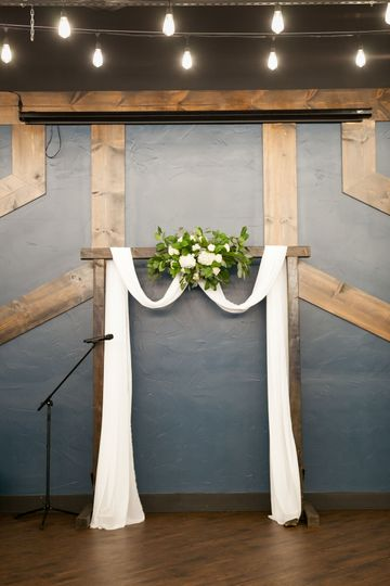 Decorated arch rental | Photo Credit ANM Photography