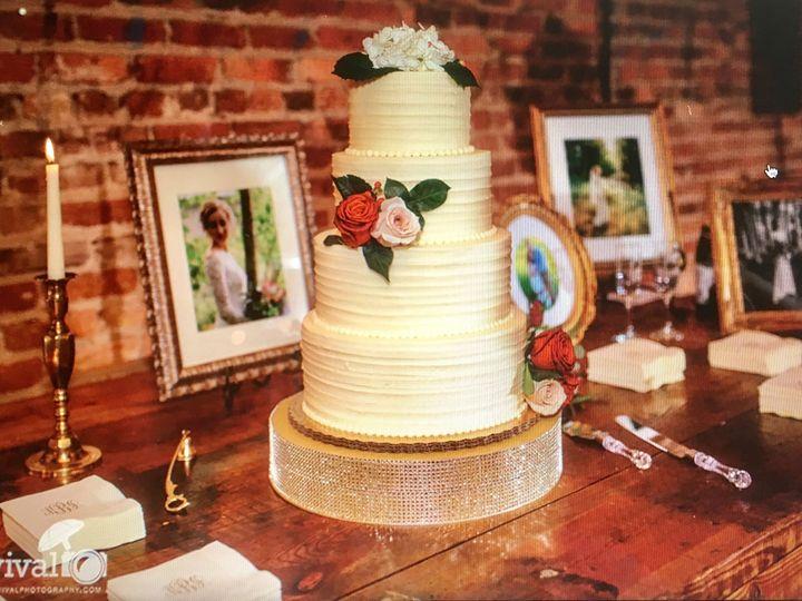 Tmx 1505148098 89166ad6132c99f5 Wedding Cake At Warehouse 18 Hickory, NC wedding venue