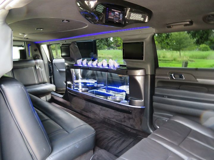 Limo w/5th door - easy access