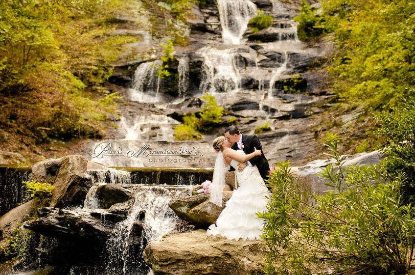 800x800 1422481971637 Bb 454 1422482022963 Falls With Bride And Groom