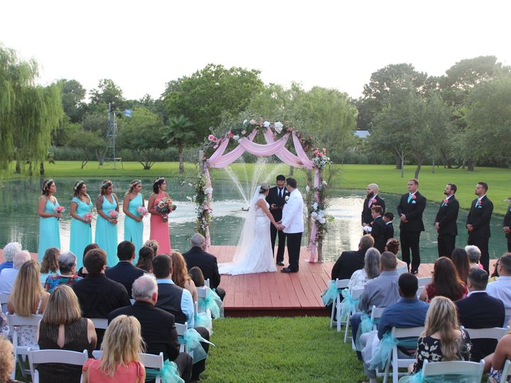 Tmx 1536684459 66a7582ee8d72f28 1536684456 2c52f4ef602bb48e 1536684442964 4 IMG 1735 Kemah, TX wedding venue