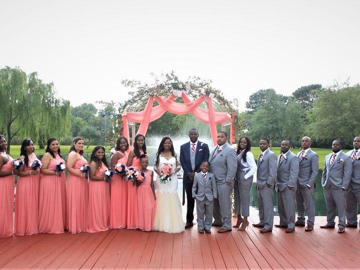 Tmx Salina And Joseph With Bridal Party 51 127672 1566410330 Kemah, TX wedding venue