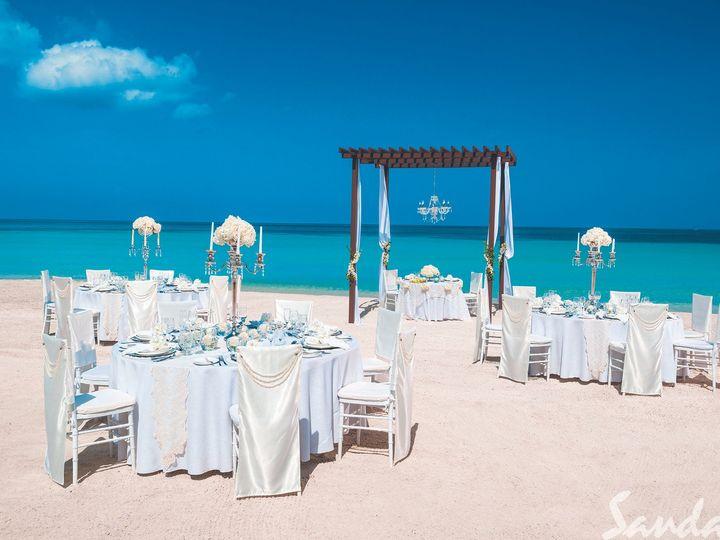 Tmx 1528743341 3a52129b12f003b7 1528743338 4ed6ea3c1b6fea38 1528743336393 12 BNG WHITE ROMANCE Middletown wedding travel