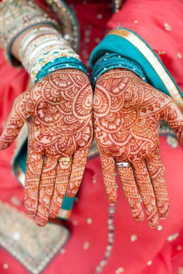 hands henna pakistani mehndi wedding bride teal coral julie napear photography 51 23772