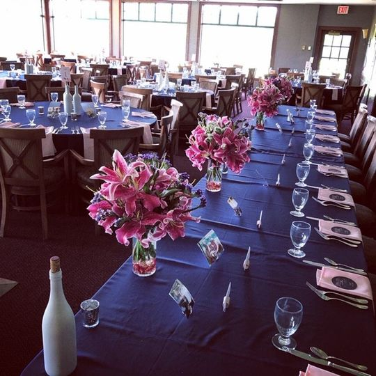 Navy linens adds a new look