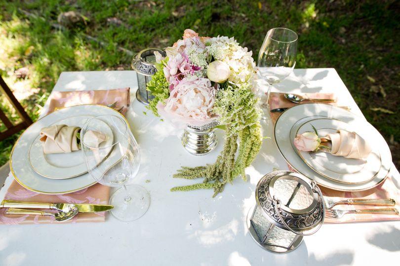 Dainty wedding table setup