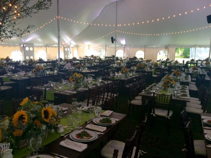 governors event set tent