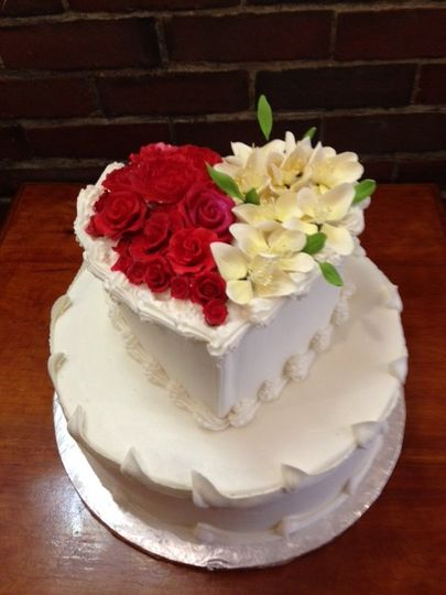 Simply my heart wedding cake