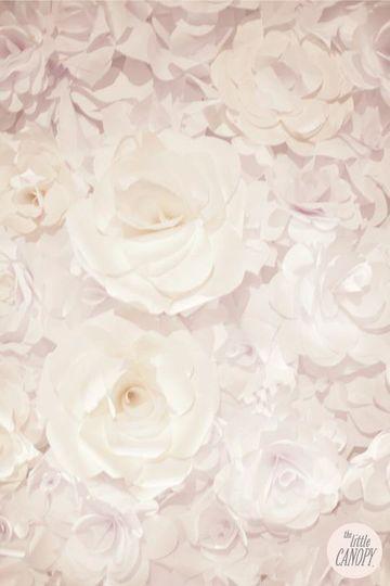 artsyhandmadepaperflowerweddingbackdrop3