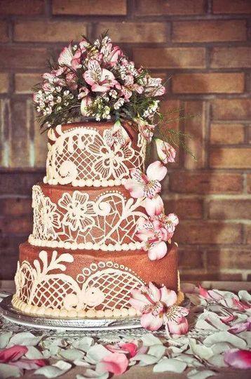 Three-layered wedding cake