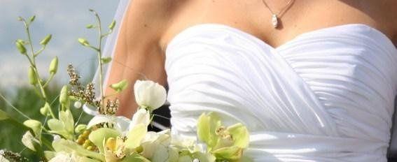 Bridewithbouquet