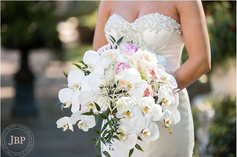 Big bouquet for the bride
