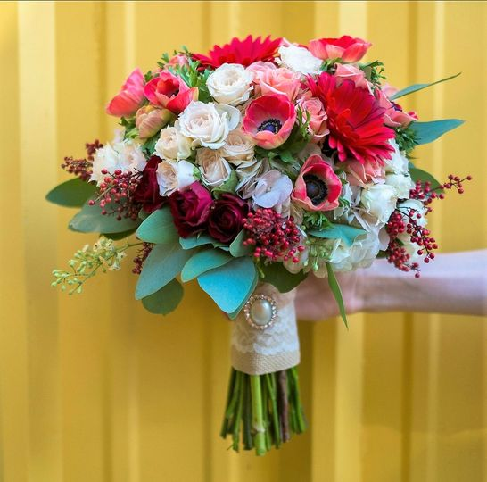 Red themed bouquet