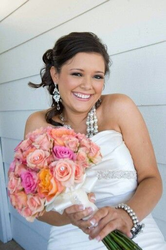 Tmx 1516327126 77ebd9c6a0a7cd01 1516327125 5dd5f9acde898eab 1516327128106 15 RoseBouquet And H Keller, Texas wedding florist