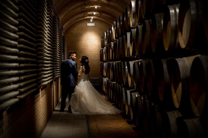 Newlyweds by the barrels