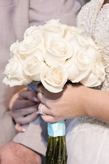 Fresh ivory bridal bouquet