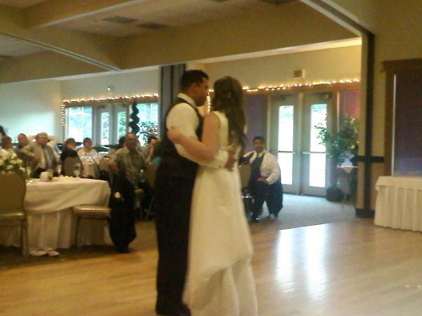First dance at Meridian Valley Country Club in Kent, WA.