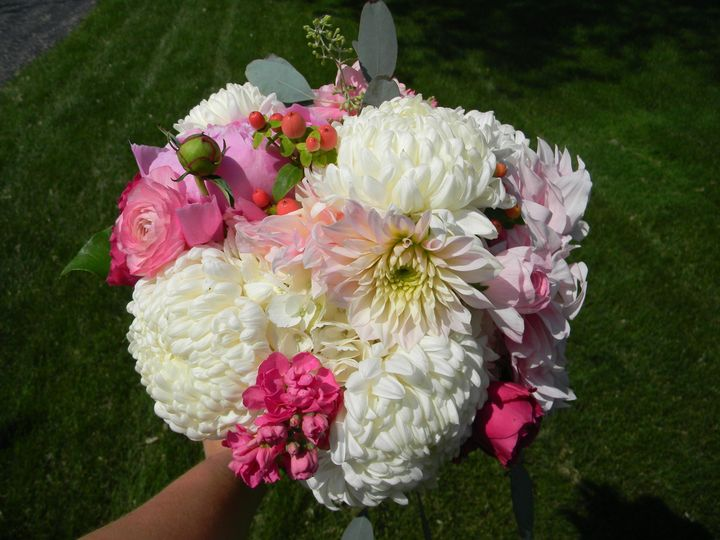 Round bouquet of pink and white flowers