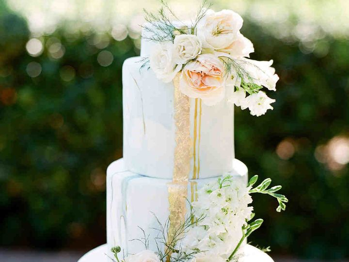Tmx 1536000118 E1d428e2a5d3d5aa 1536000117 Bb9d8e7d323e14c5 1536000116841 2 Cake 2 Kansas City, Missouri wedding planner