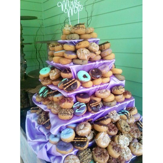 Peace love and little donuts of cleveland wedding cake peace love and little donuts of cleveland wedding cake cleveland oh weddingwire junglespirit Gallery