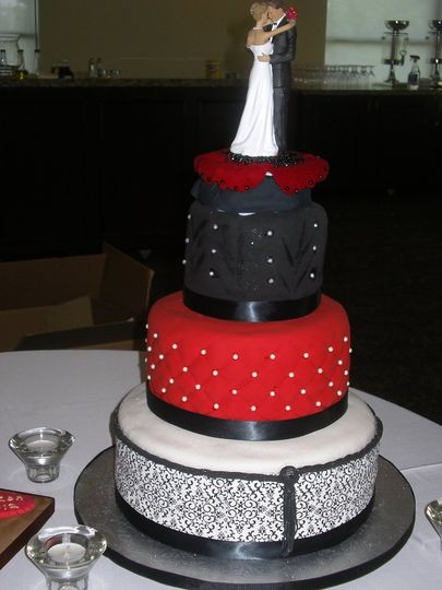 Custom Cake Studio Wedding Cake Orlando FL WeddingWire
