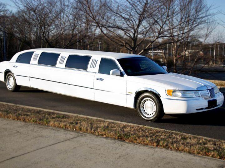 Tmx Car Stretchlincoln1 Xl 51 792282 Winston Salem wedding transportation
