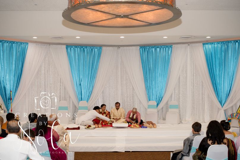 Hindu wedding ceremony Stoney Creek Inn Columbia MO