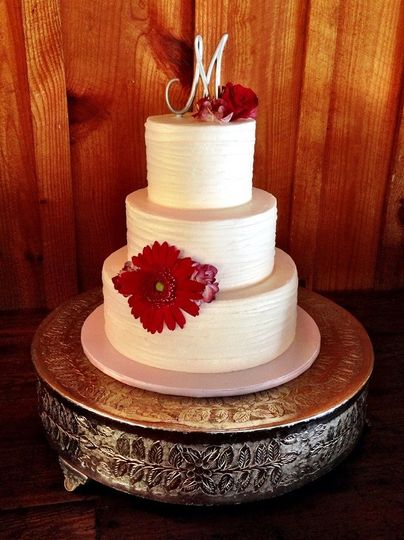 Clean 3-tier wedding cake