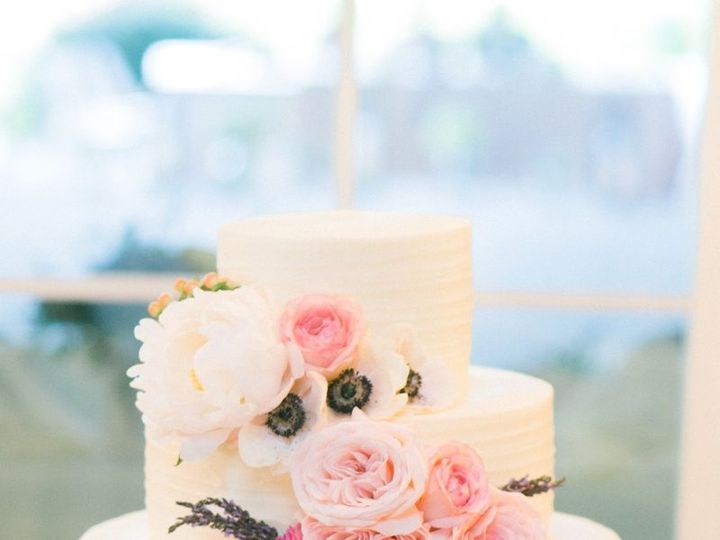Tmx 1465393319 84864ff338de862b 20160204 032302000 IOS Cary, North Carolina wedding cake