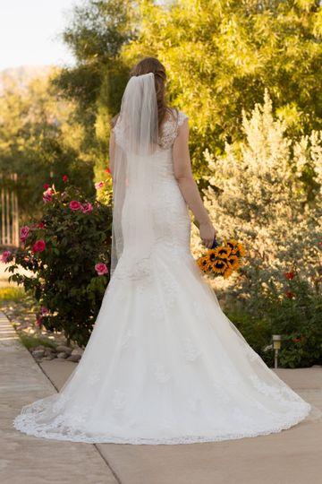 Bride at her back