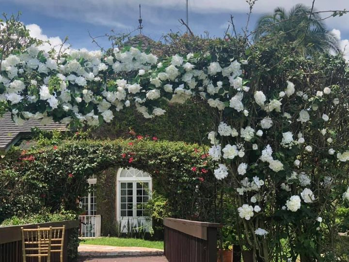 A white flower arch