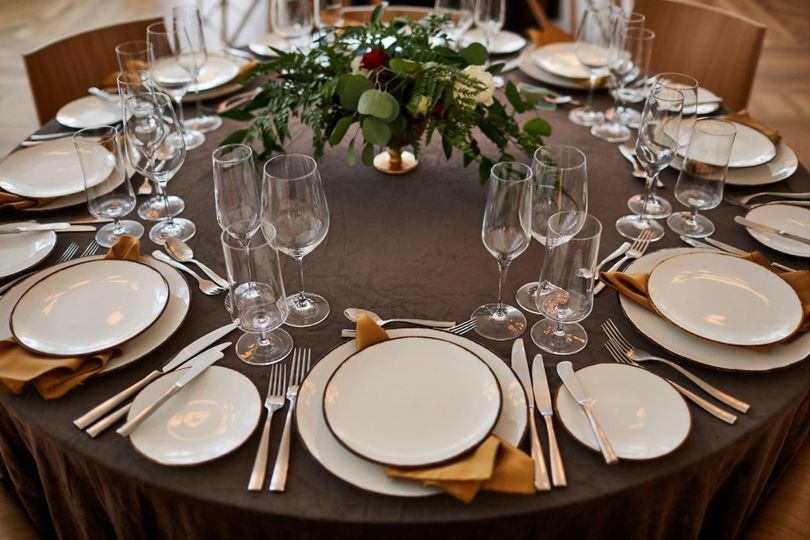 Design by Modern Vintage EventsBanquet place setting (linen rentals by Liberty Party Rental, flowers...