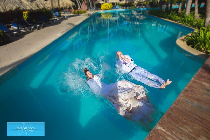 Jorge Allocco Photography Trash the dress photo session at Palladium Palace Hotel Punta Cana