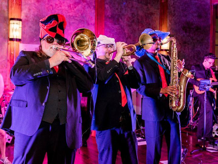 Tmx Horns Up Front 4 51 712482 Dallas, Texas wedding band