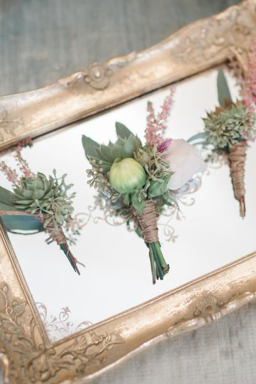 Rustic. blush boutonniere  Alicia Lacey Photography
