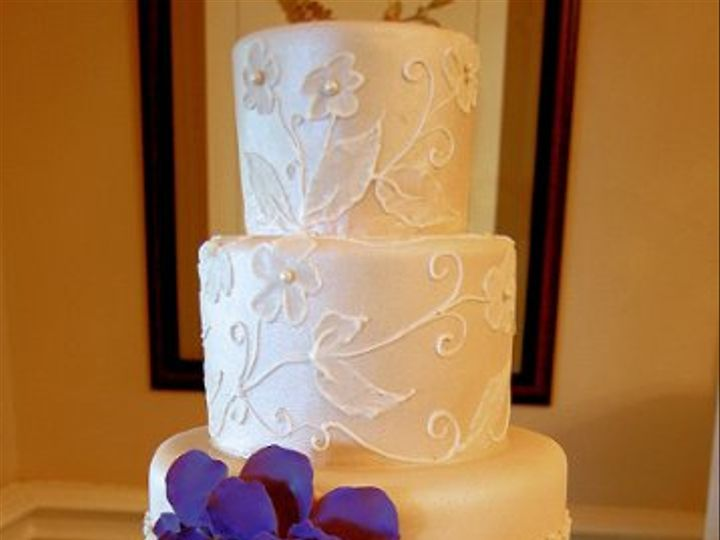 Tmx 1315327844506 White Paoli wedding cake