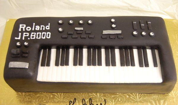 Tmx 1315409307648 Keyboard2 Paoli wedding cake