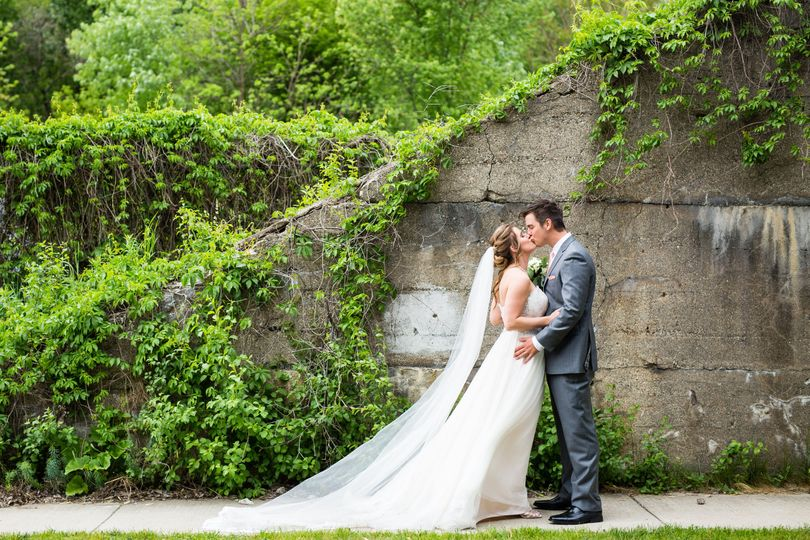 4aaf72433a074241 Meghan Drew Grand Rapids Cheney place Wedding028