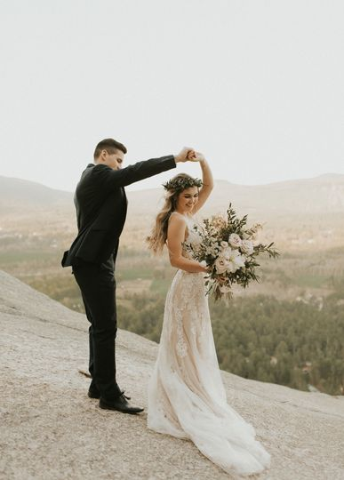 The bride and groom| Anna Elizabeth Photography