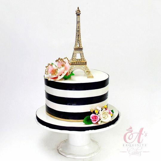 Eiffel tower single cake
