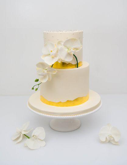 Orchid spray wedding cake