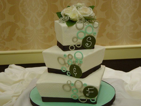3 tier wedding cake, green, tapered squares