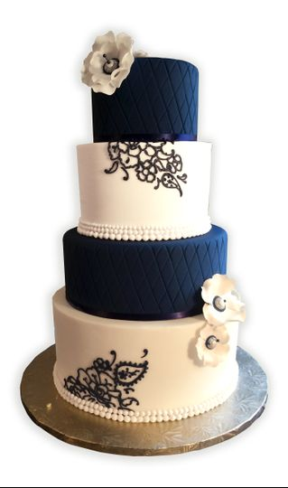 navy and white wedding cake1