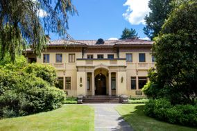 Lord Mansion and Coach House - Operated by The Evergreen State College