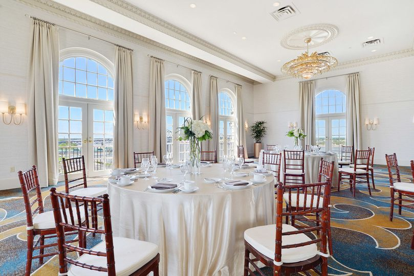 Our heidelberg ballroom has recently been renovated! It's located on the tenth floor and has...